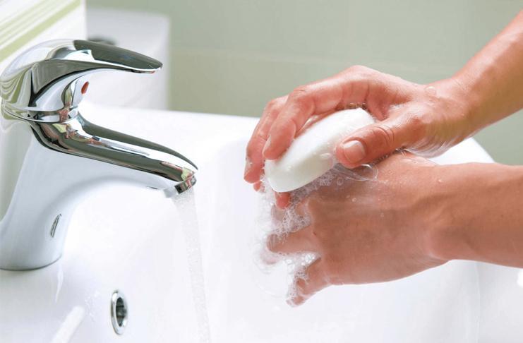 Мыть руки при коронавирусе